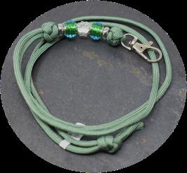 Schmuckkette für Hundepfeife in mattem blattgrün  Nr. 49