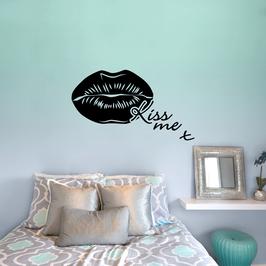Kiss me (small)