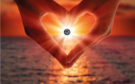 Herz aus 2 Händen mit einem Diamanten -unterschiedliche Qualität- M2D