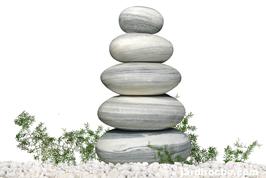Fontaine pyramide de galets en marbre 80 cm