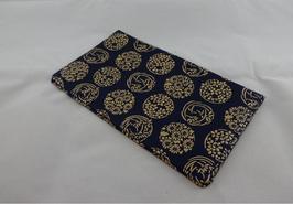 鹿漆革(印伝) 袱紗:花手毬 青革/白漆