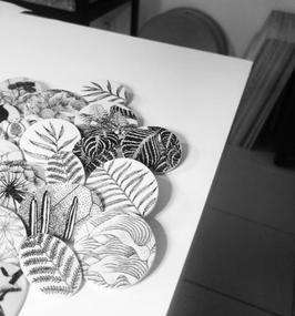 Moyenne broche en céramique