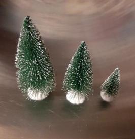 EF080 Tannenbaum, Winterbaum beschneit mit Wintersockel in WEISS