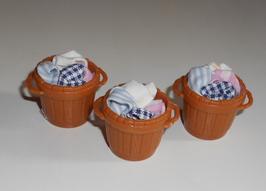 EF023  Waschtag im Puppenhaus Bottich 2cmH mit Wäsche Preis pro Stück!