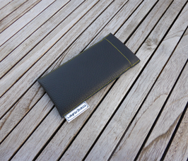 iPhonehülle 6, 7, 8 aus Skai-Lederimitat in schwarz / gelb
