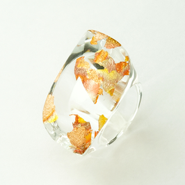 Transparenter Ring mit Kupfermetall