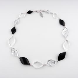 Halskette  Silbermetall und schwarz