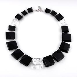 Halskette schwarz mit Silbermetall