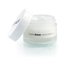 PAESE Hydrobase under Makeup