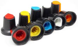 Gumb plastični raznobarvni