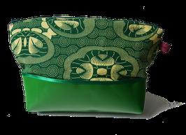 """Kulturtasche """"Wiesengrün"""" mit LKW-Plane, groß"""