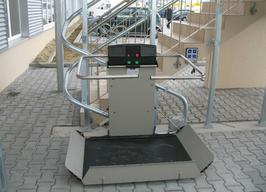 Rollstuhl-Treppenlift (kurvige Treppen)