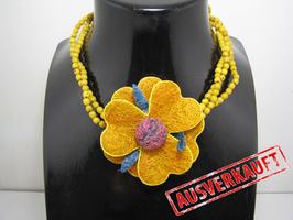 Achira Halskette mit Blume