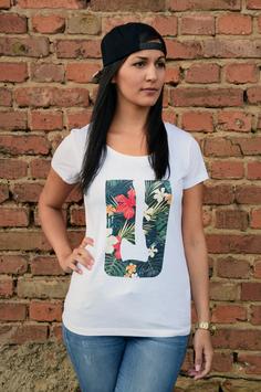 Tropical Axe Girl