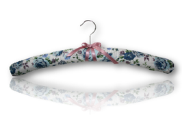 "Luxury cushioned hanger ""Charlotte"""