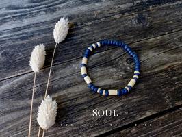Surfer-Armband mit Morsebuchstaben deiner Wahl (dunkelblau-natur)
