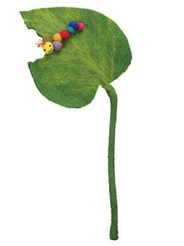 Filzblatt mit Raupe / Käfer