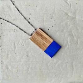 Pendentif minimaliste rectangle en bois canadien (noyer moyen pâle), corde ou chaîne à votre choix