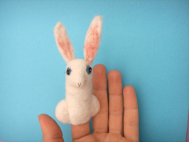 Fingerpuppe weißer Hase