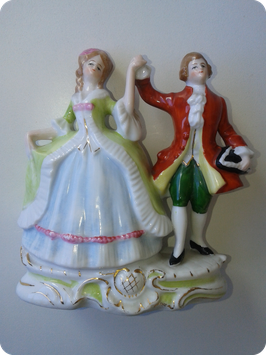 Couple de marquis en porcelaine