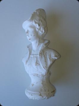 Buste de femme en pierre