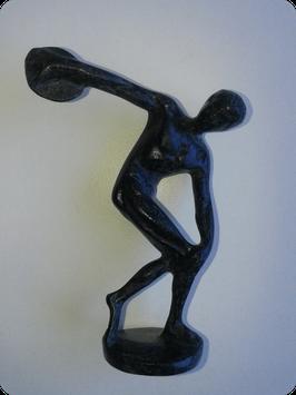 Lanceur de disque en bronze