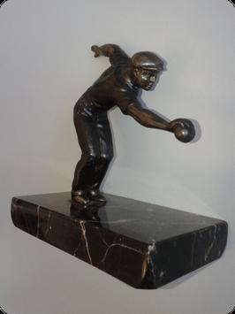 Joueur de pétanque patine bronze