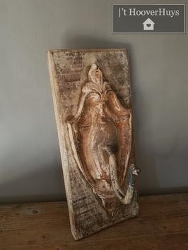 Wandhaak / kapstok ornament op hout