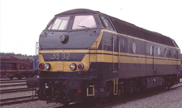 Diesellok NMBS 5532 met punt, groen/gele kleustelling, Depot Kinkempois tp IV