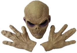 Alien mit passenden Händen hell