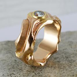 Exklusiv: Rotgold-Ring