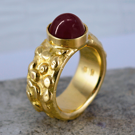 Prunkstück: Gelbgold-Ring