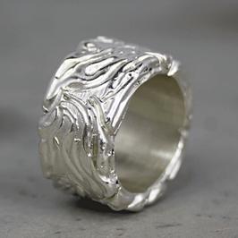 Silber-Ring mit Wellenlinien