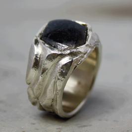 Silber-Ring mit Rohsaphir