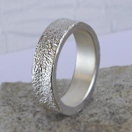 Silber-Ring mit Sandstruktur