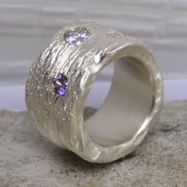 Silber-Ring mit feinen Glanzlinien