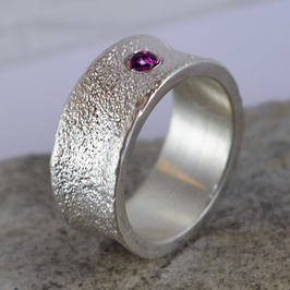 Silber-Ring mit Turmalin Cabachon