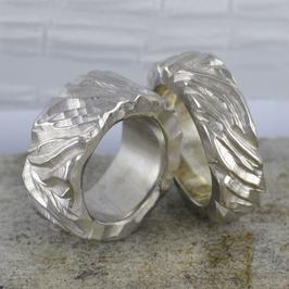 Ehe-/Partnerringe: Zwei Weissgold-Ringe