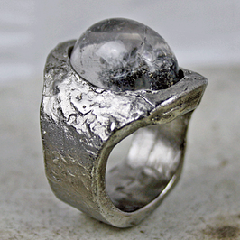 Inox-Ring mit Bergkristall