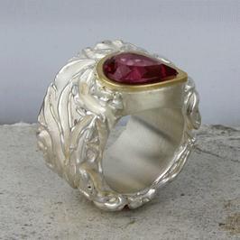 Romantischer Silberring mit Turmalin