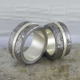 Ehe-/Partnerringe: Zwei kräftige Eisen-Ringe