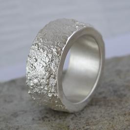 Silber-Ring mit Naturstruktur