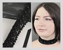 Halsband Kropfband Choker Spitzen mit genieteten Perlen in Blüten aus Chiffon, Satinband, Breite ca. 4 cm H