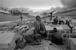 Christine Spengler. Bolivie, 1982. Cimetière à Milluni.