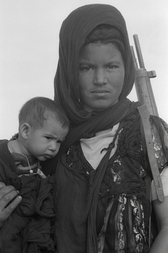 Christine Spengler. Sahara Occidental, 1976. Femme combattante du Front Polisario.