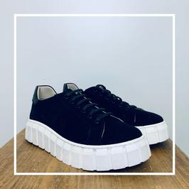 Deabused Ada Canvas Sneaker Black