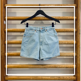 Wrangler Mom Short Cloud Nine