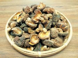 ◆国産原木小粒椎茸120g×2袋セット