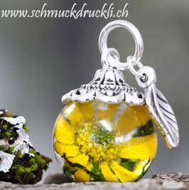 330 gelbe Blüte in Kunstharz gegossen, mini