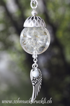 233 grosse Glashohlperle mit echten Pusteblumen und Engelsflügel